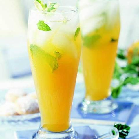 Recipe for Peach Mint Green Tea - Peach nectar and mint flavor green tea in this refreshing sweetened summer drink recipe.
