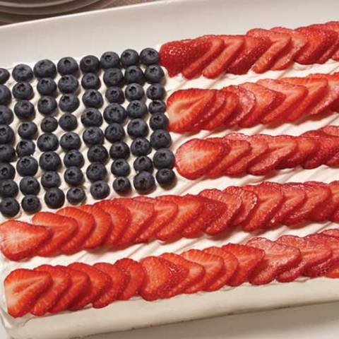 Recipe for Independence Cake - No Fourth of July party is complete without a centerpiece. This cake would be perfect, AND it's delicious too!