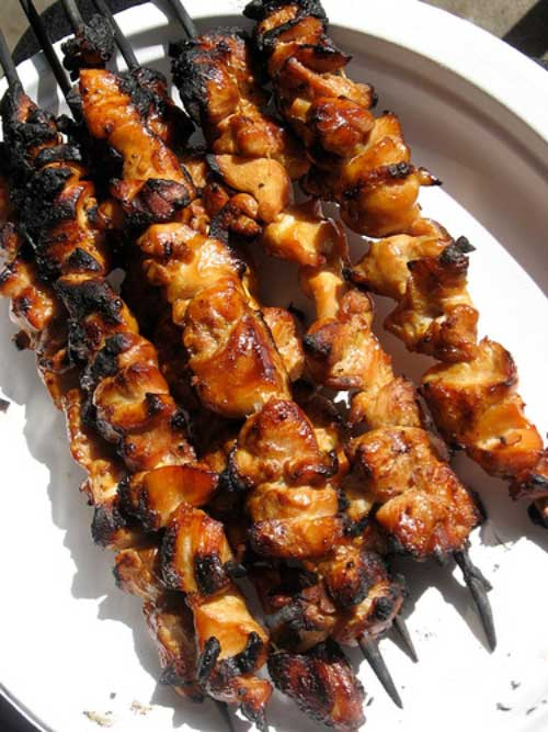 Recipe for Honey and Beer Glazed Chicken Skewers - Savory skewers of honey and beer glazed chicken flavor-packed, juicy and tender.. go for the thigh meat and you'll be convinced!