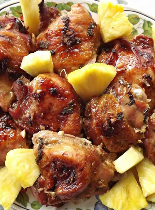 Want to take a trip to Hawaii without having to leave your house? This Hawaiian summer chicken recipe may just be able to help with that!