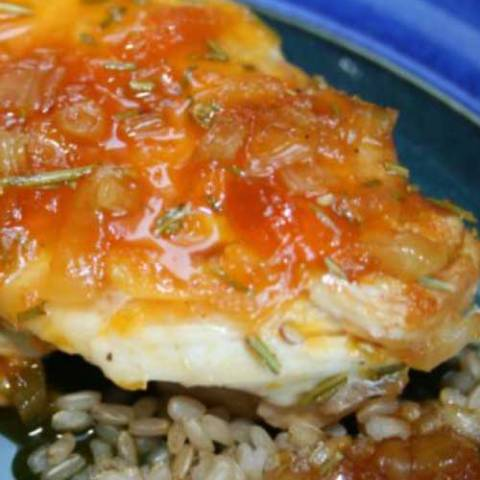 Recipe for Apricot Chicken - I love love love this chicken recipe. I love it so much I have a difficult time thinking of anything else to do with chicken breasts.