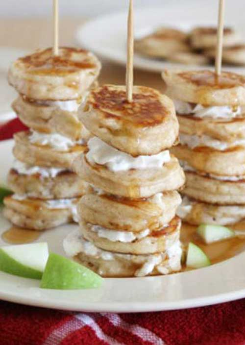 Impress your breakfast guests with quick and easy apple pancakes on a stick. For a little extra flair, alternate pancakes with apple slices.