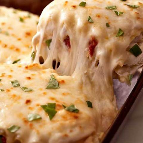 If you love cheesy, creamy goodness, then you will love this Creamy White Chicken Lasagna recipe that takes lasagna to a whole new level!