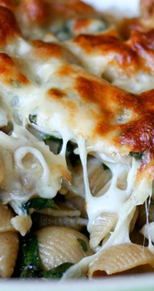 Baked Chicken & Spinach Pasta - This dish is one of those things my mom made all the time when I was growing up and my brother and I loved like crazy.