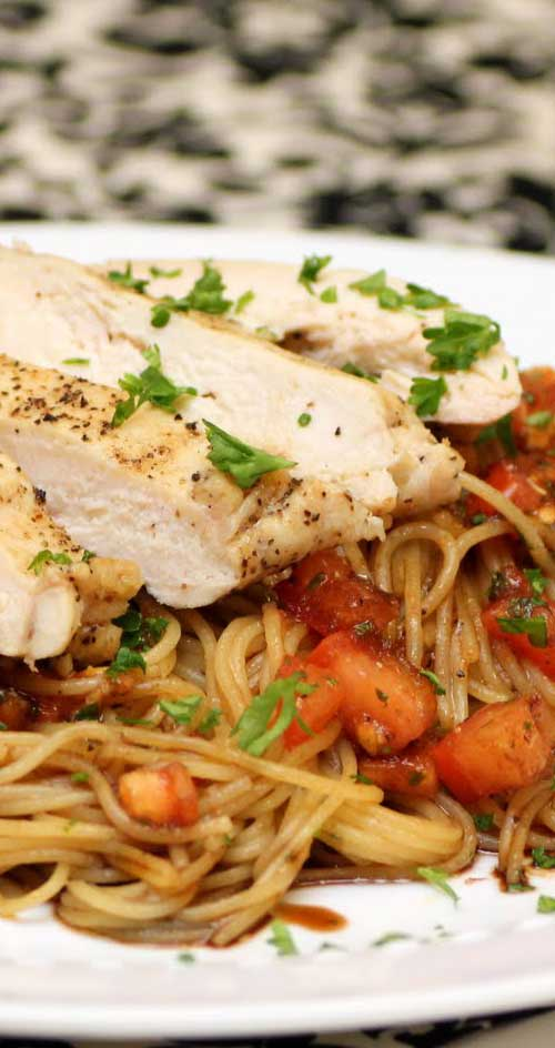 This Bruschetta Chicken Pasta is so amazingly delicious!! One of my absolute favorites! I don't know if anyone has ever had this at TGI Fridays, but this recipe taste exactly like the original! #chicken #dinnerideas #pasta