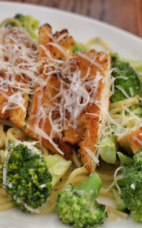 Creamy Garlic Chicken and Broccoli Pasta