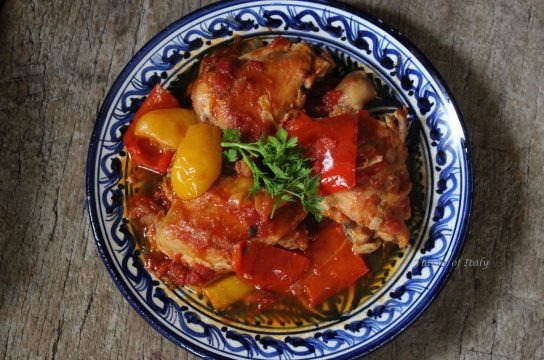 Luscious chicken with red peppers and tomatoes