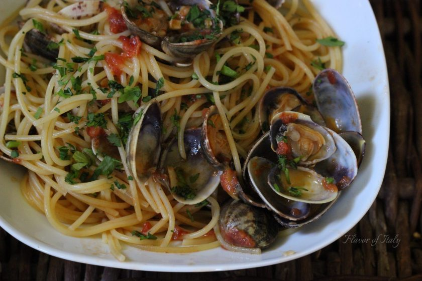 Spaghetti with Clam Sauce (alle Vongole)