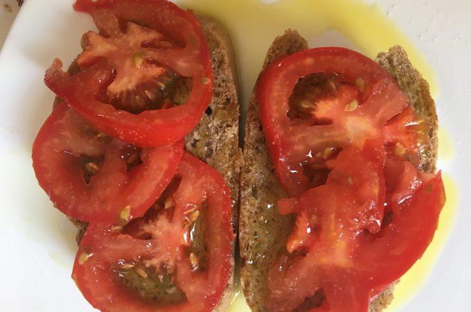 Pa amb oli, rustic rye bread with olive oil and tomato, Mallorca