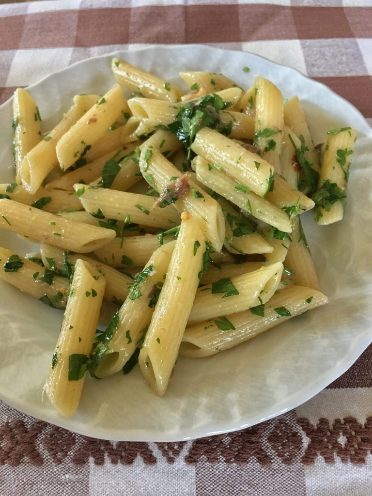 Penne with sizzled garlic & hot pepper, anchovies and parsley