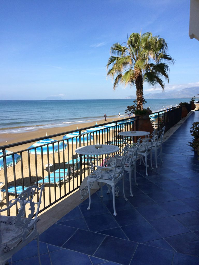 Terrace overlooking the sea in Sperlonga