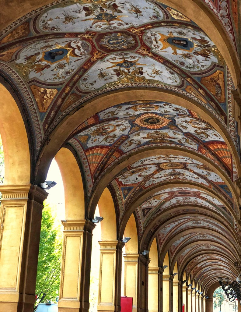 Gorgeous porticoes with painted ceilings in Bologna