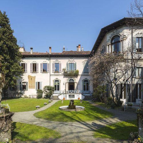 Outside view of the Atellani Apartments, attached to the Leonardo da Vinci vineyard