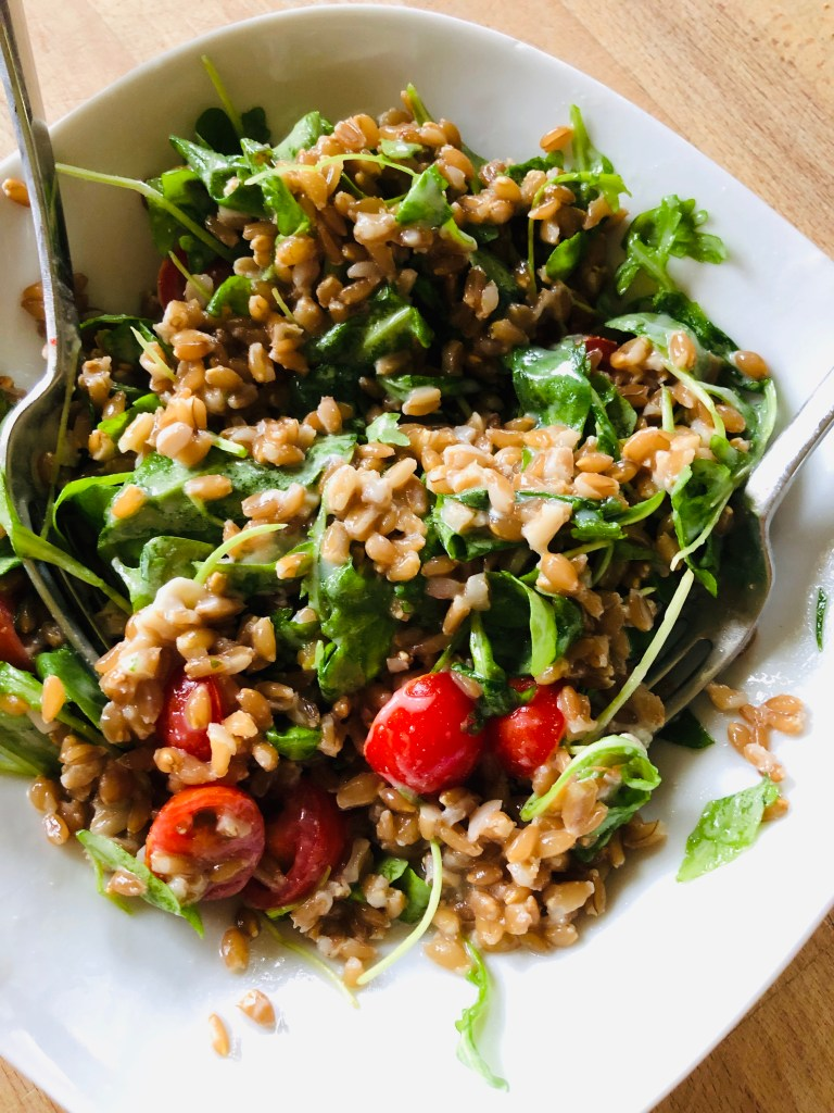 Delicious Farro with Gorgonzola, Arugula and Tomatoes