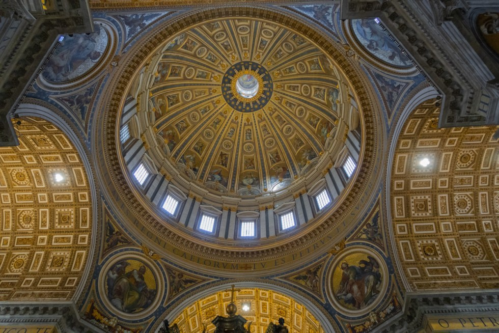 The spectacular St Peters Basilica Ceiling
