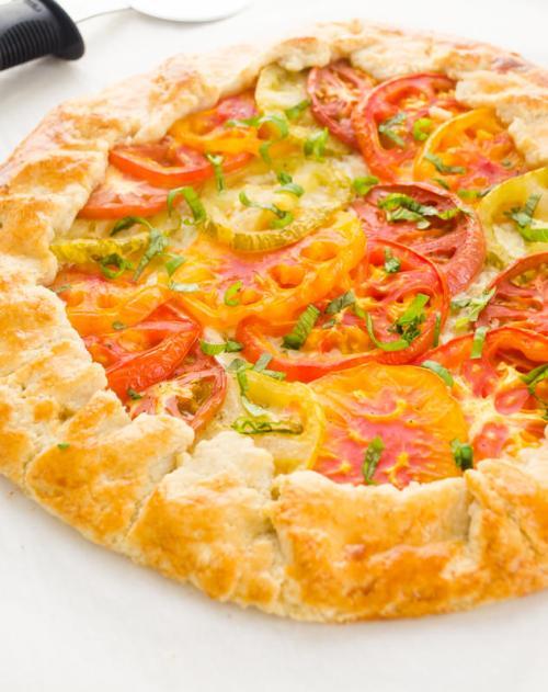 heirloom-tomato-galette-farmers-market-friday3 | flavorthemoments.com