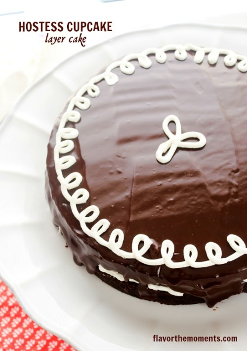 hostess-cupcake-layer-cake1| flavorthemoments.com
