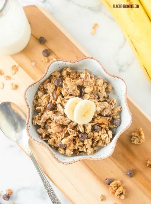 banana-chocolate-chip-granola3 | flavorthemoments.com