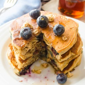 blueberry-granola-crunch-pancakes | flavorthemoments.com