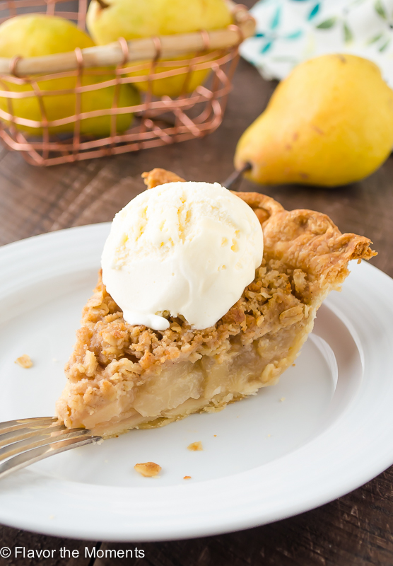 Pear Ginger Crumble Pie | flavorthemoments.com