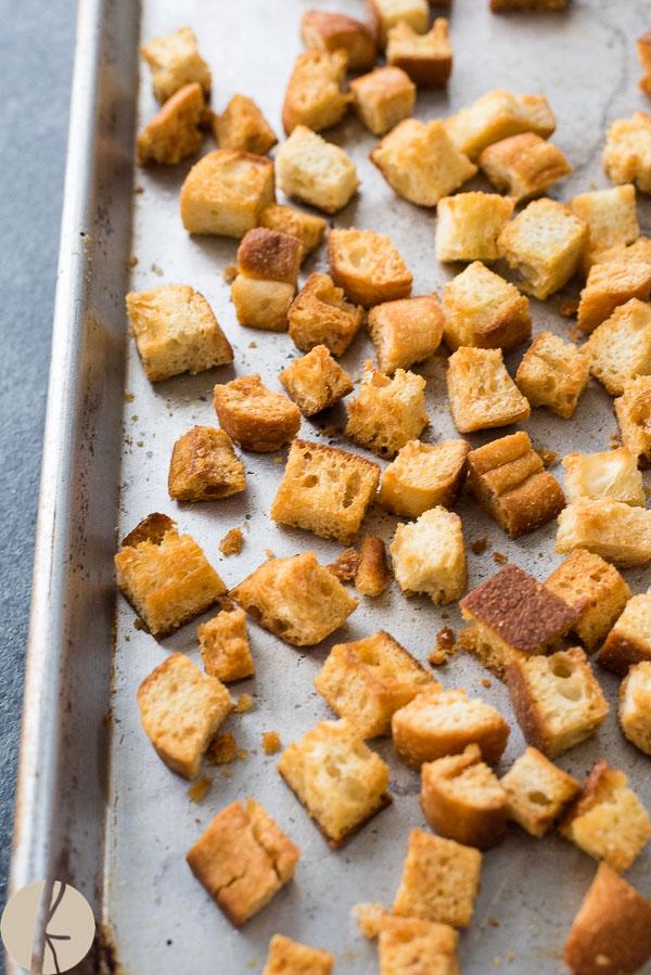 homemade-croutons