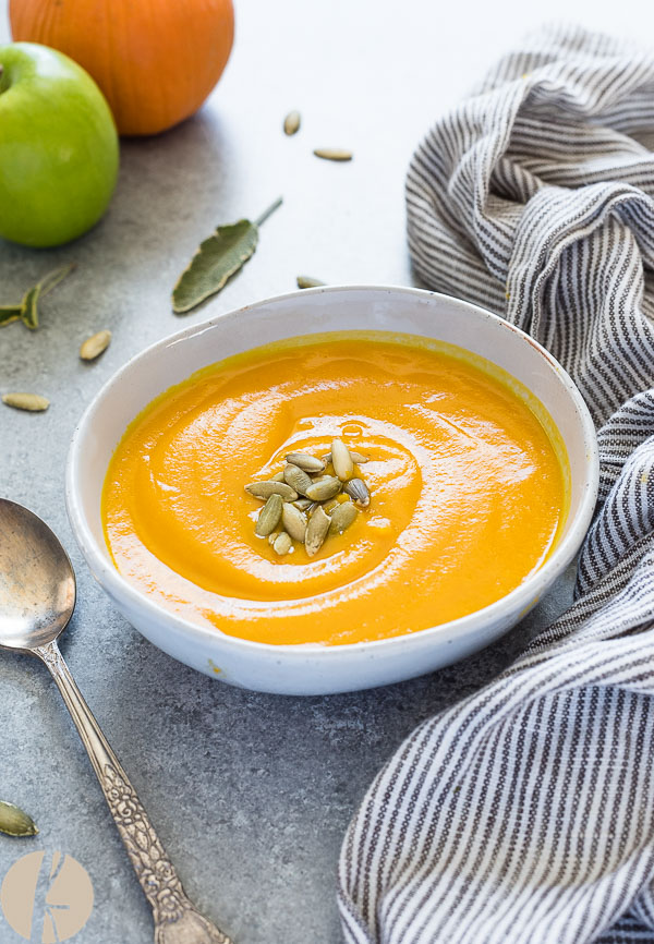 Roasted Pumpkin Apple Soup is healthy, vegan pumpkin soup made with homemade pumpkin puree. It's smooth, velvety and delicious! {GF, V}