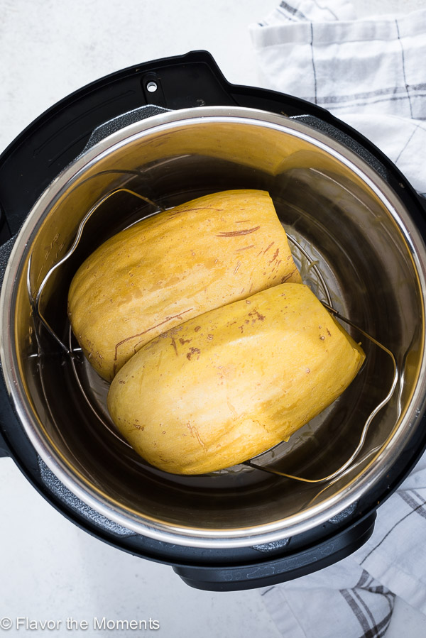 how-to-cook-spaghetti-squash-instant-pot-flavorthemoments