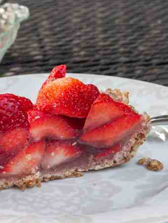 Paleo Fresh Strawberry Pie