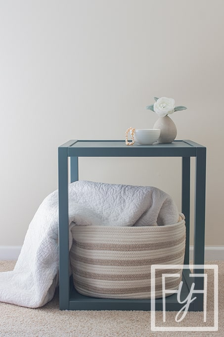 spray paint wood furniture nightstand in teal