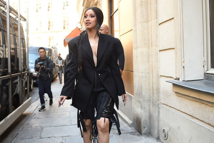 PARIS, FRANCE - SEPTEMBER 26: Cardi B is seen arriving at Mugler fashion show during Paris Fashion Week Womenswear Spring/Summer 2019 on September 26, 2018 in Paris, France. (Photo by Jacopo Raule/Getty Images)