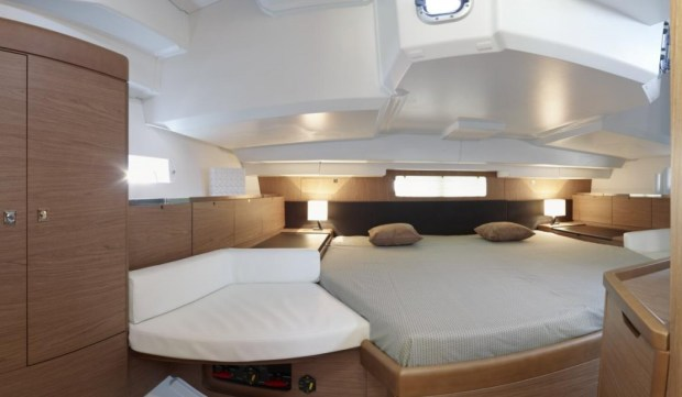 New Sun Odyssey 44DS Yatch