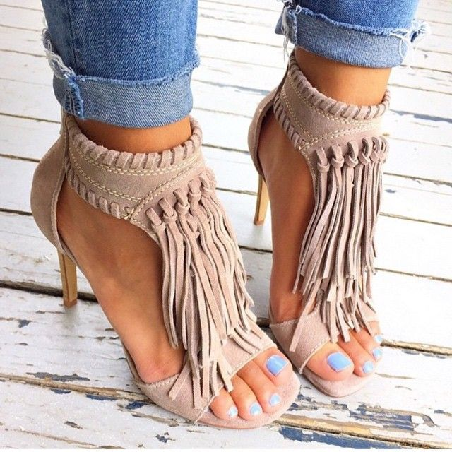 15 Ideas to Wear Pairs of Fringe Sandals – FlawlessEnd