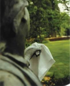 Handkerchief Statue