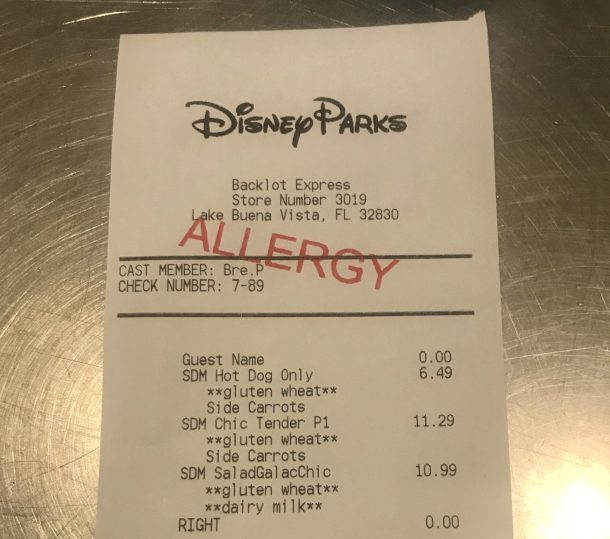 The helpful guide will teach you everything you need to know for ordering safe gluten free and allergy friendly meals at Disney World. Includes the best gluten free quick service restaurants in all 4 parks (Magic Kingdom, Epcot, Animal Kingdom, and Hollywood Studios). Enjoy safe gluten free meals at Disney World without the hassle or worry for a magical trip!
