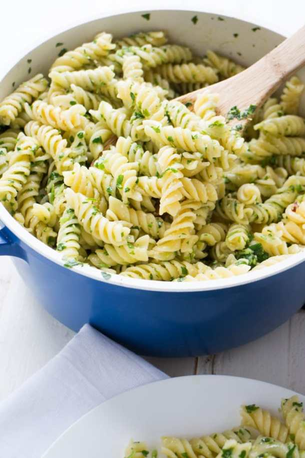 This parsley pasta costs only $4 making it the perfect healthy weight loss recipe on a budget