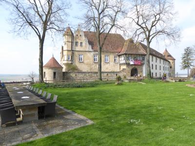 Mit Pythagoras zum schönsten Biergarten der Region: Burg Stettenfels