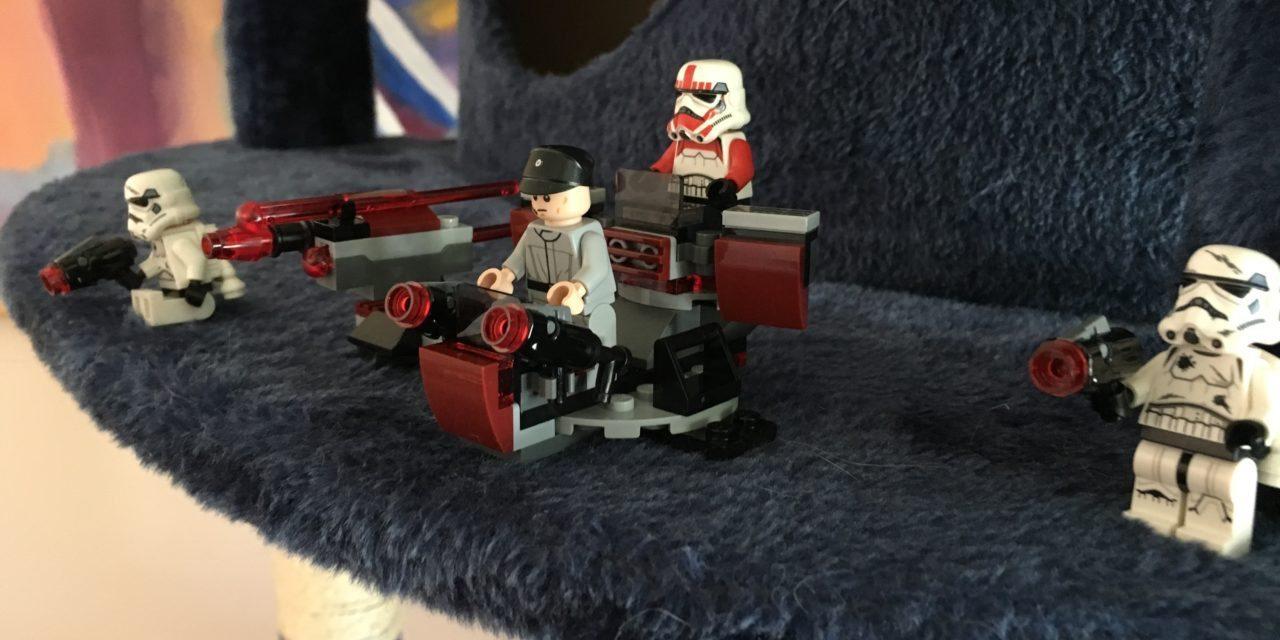 Imperial Attack Underway! Star Wars Legos Fun