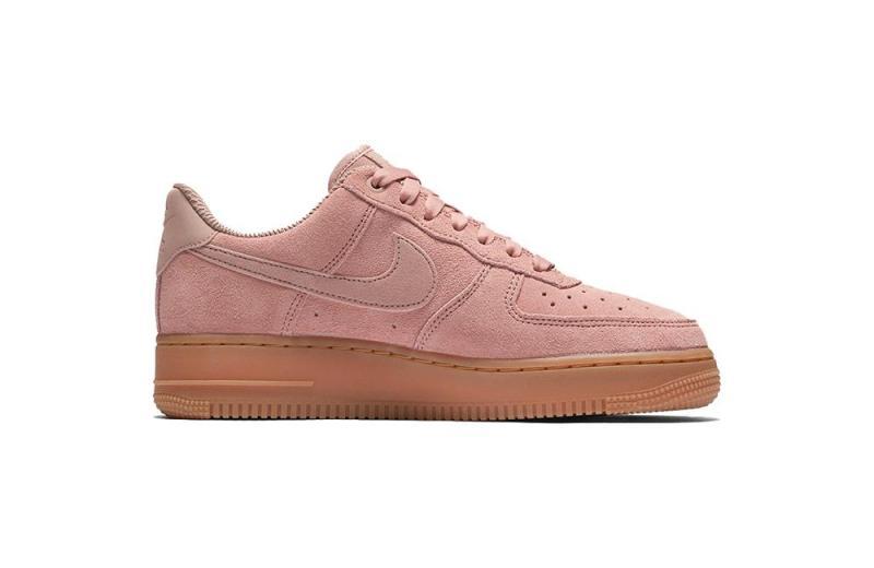 Nike pink sneakers