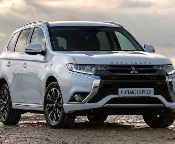 Fleets offered free Homecharge unit for new Mitsubishi Outlander PHEV