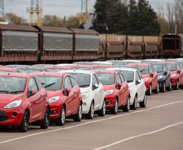 Fleet registrations continue to drive new car market growth
