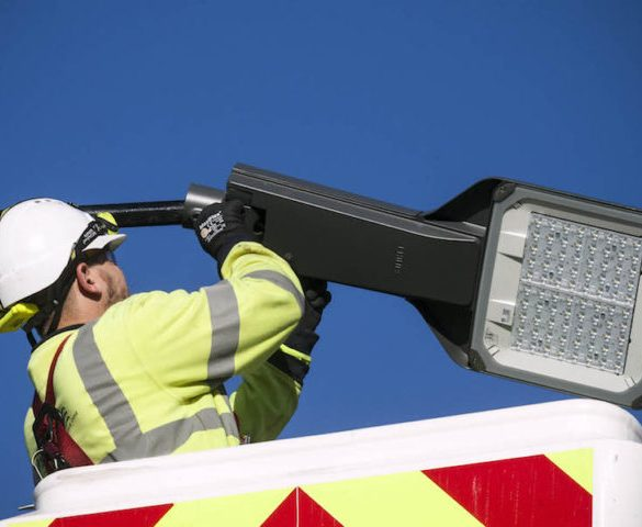 'Smart' streetlight trial could provide real-time air quality data