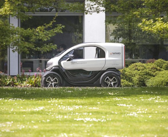 New electric delivery vehicle showcased for courier industry
