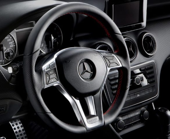 Mercedes-Benz to recall 400,000 cars in UK