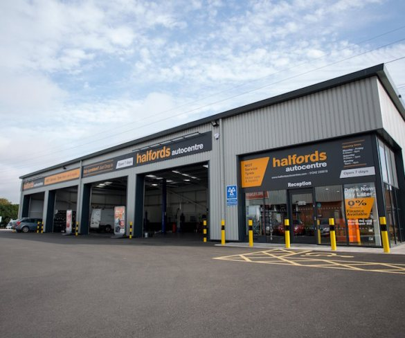 Halfords Autocentres offers DPF cleaning service
