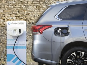 Plug-in hybrid cars like a 'duck out of water' for large number of fleets