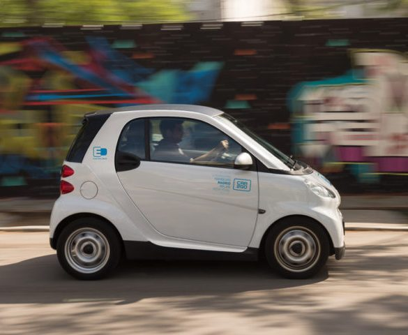 Can carsharing play a decisive role in electric mobility uptake?