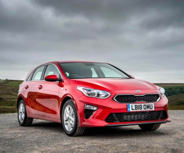 Kia announces UK pricing and specs for new Ceed and Sportage