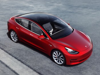 Tesla Model 3, now available to order in right-hand drive