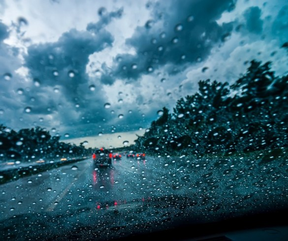 Lower motorway speed limits in wet weather could save lives, say drivers