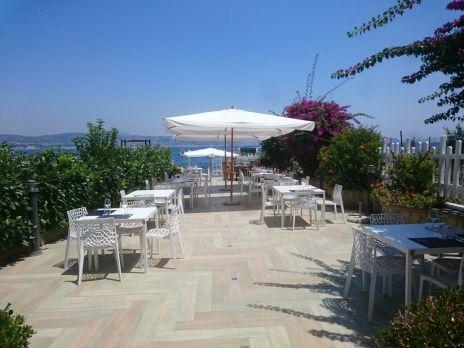 Lost paradise beach restaurant